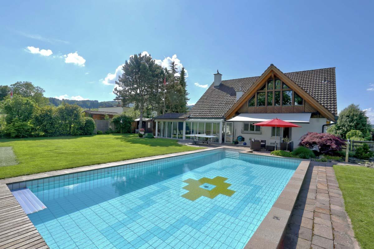 Haus auf dem Land mit Pool und Grillplatz